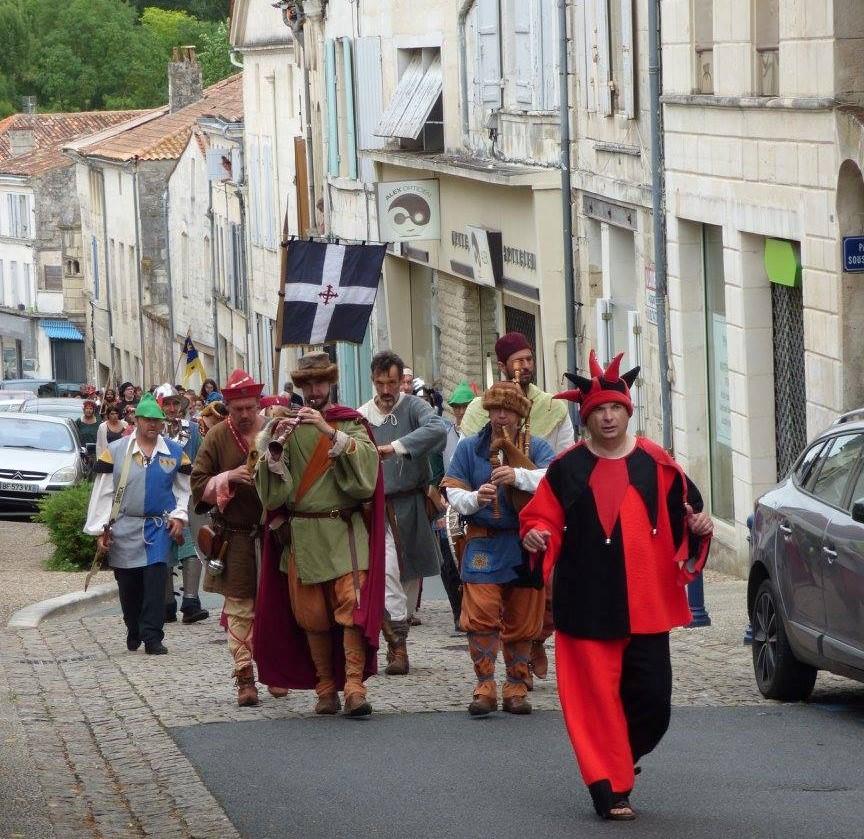 Fête Médiévale Pons 2017 - Défilé en ville (1)