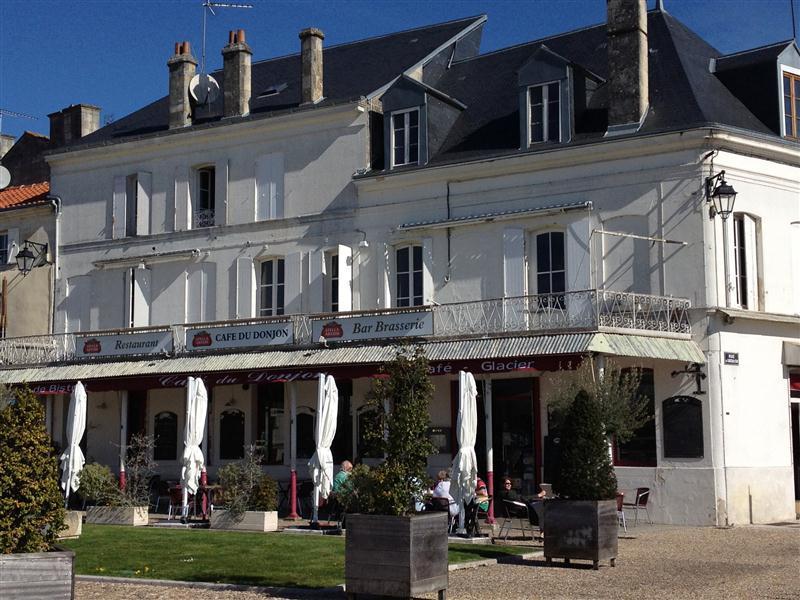 Le Café du Donjon à Pons