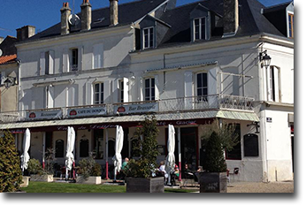 Le Café du Donjon - Pons