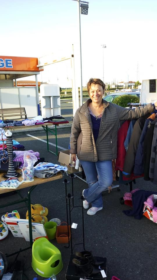 Pons Actions Commerciales - Octobre Rose 2019 - Brocante 05