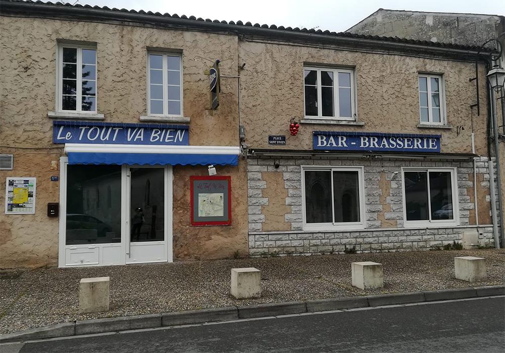 Bar restaurant Le Tout va bien - Pons - quartier saint vivien